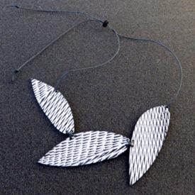 three leaf necklace
