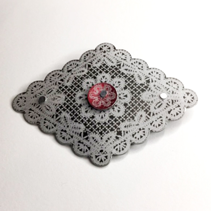 Lace Diamond Brooch black/red £12.50 including postage