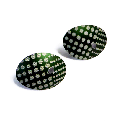 oval earstuds green spotty pattern