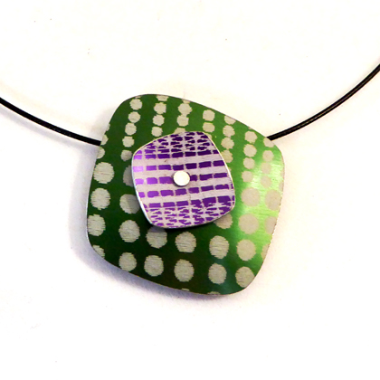 square necklace green/mauve