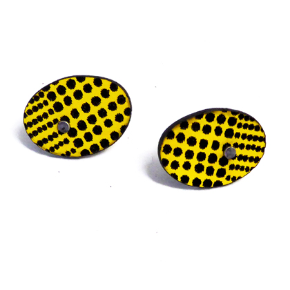 oval earstuds yellow