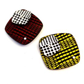 square brooches red/silver and yellow/silver