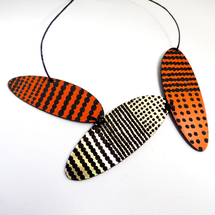 oval necklace orange/gold