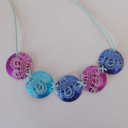 Lace circle necklace