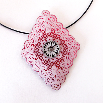 Lace diamond necklace red/black £12.50 including postage